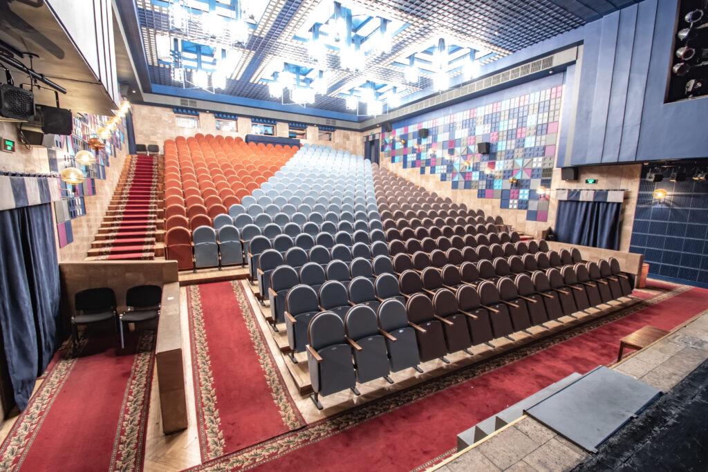 Театр юного зрителя на Липках, Киев