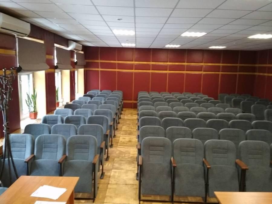 Наші фахівці встановили нові крісла для міської лікарні №6 в Києві