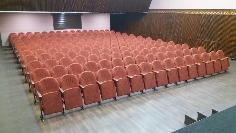 У Кременчуці оновлено зал для глядачів Палацу культури