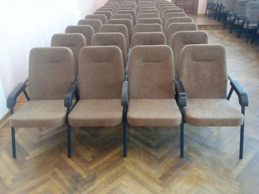 Для лісо-мисливського господарства в Житомирській області виготовлені секції крісел Еспера