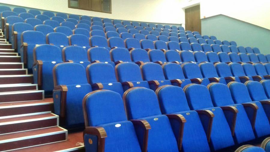 У Криворізькому академічному театрі ім. Шевченка встановлено 180 нових крісел