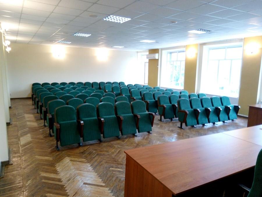 Крісла та стільці для сесійної зали міської ради в Біловодську