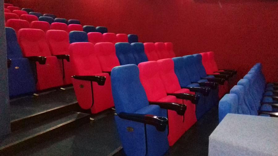 78 крісел для дитячого кінотеатру «Кадр» в Києві