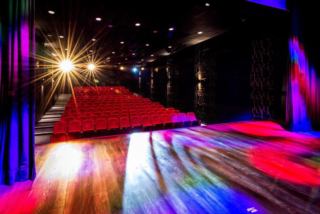 """У кінотеатрі """"Nowa Fala"""" в Гіжицько (Польща) встановлені наші крісла"""