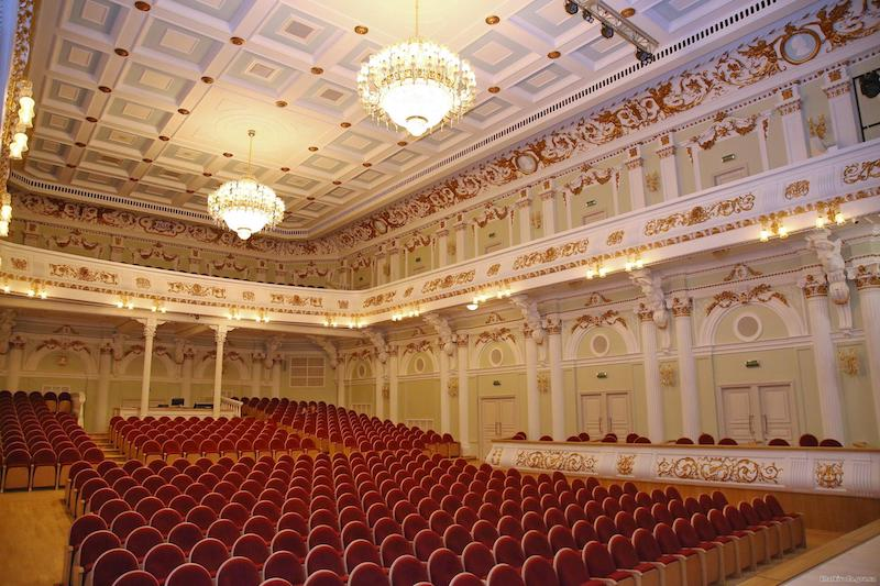 Нові крісла для Харківської філармонії від меблевої фабрики Прем'єра