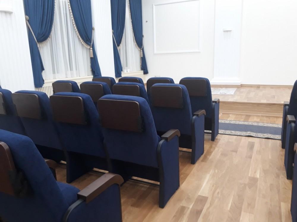 Крісла з конференц-столиками встановлені у Західному апеляційному суді у Львові