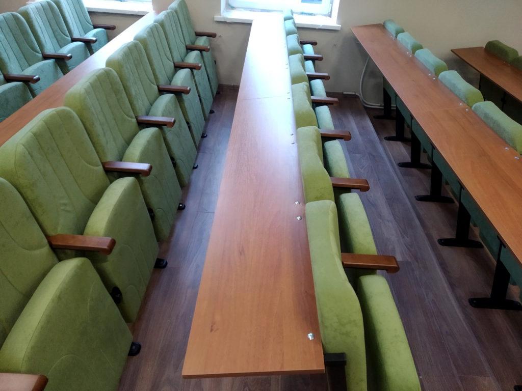 Нестандартные кресла для учебной аудитории ЛьвГУВД