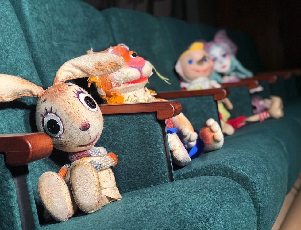 Кресла «Арлекино» для Киевского театра кукол на левом берегу Днепра