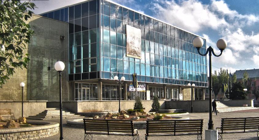 Оновлено велику глядацьку залу Бердянського МПК