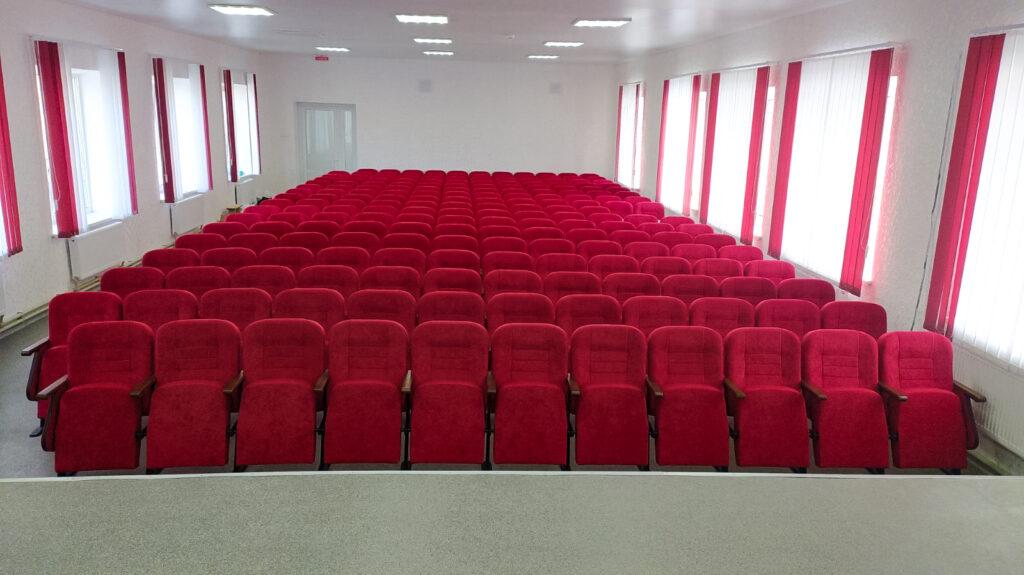 У Нікопольській музичній школі №1 встановлені нові крісла