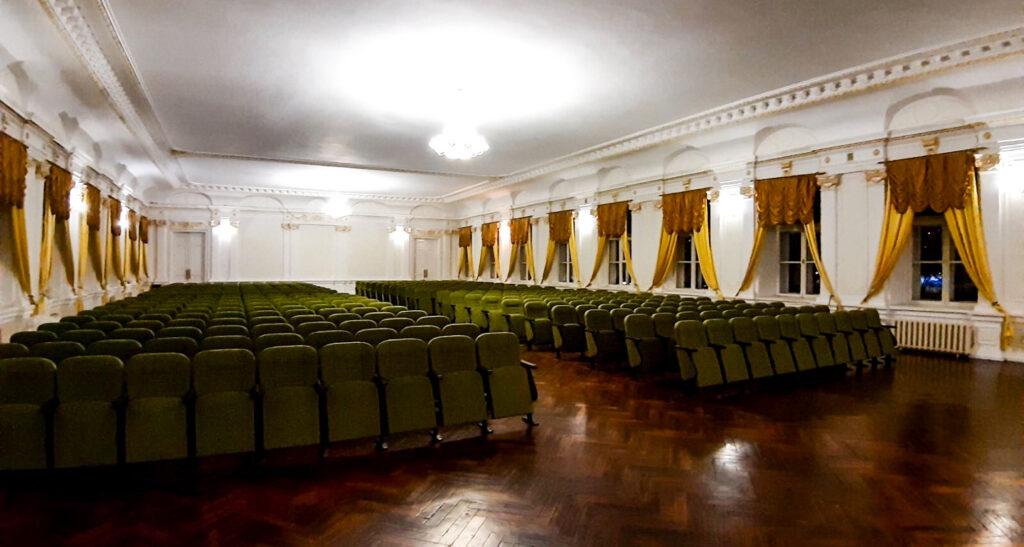 Встановлення актових крісел в Одеській Військовій академії